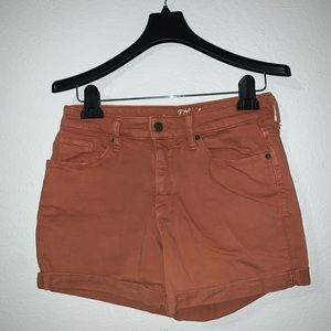Universal Thread shorts